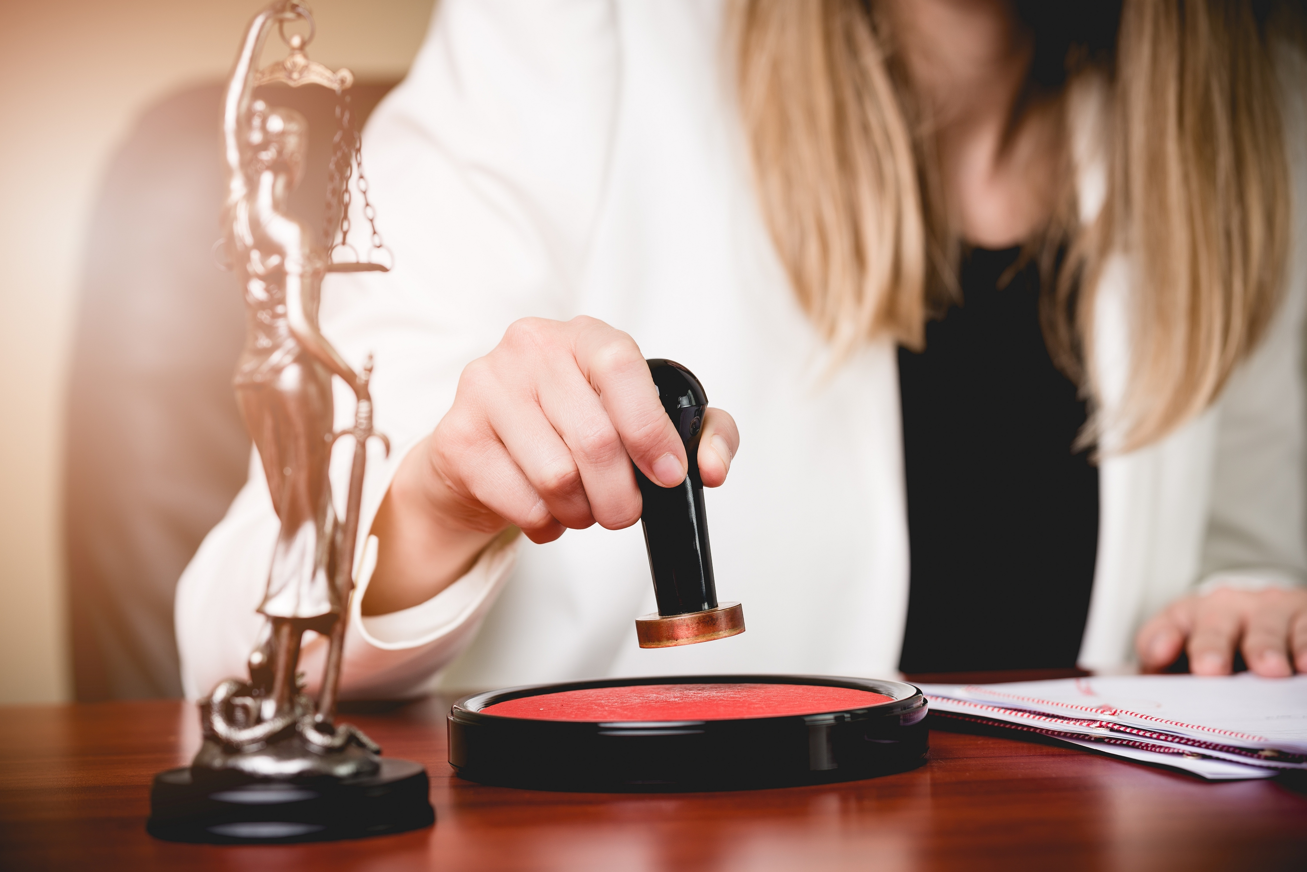how to become a notary in tennessee